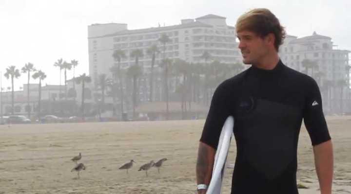 Santiago Muñiz se prueba en las olas de California (AFT Casa del Mar)