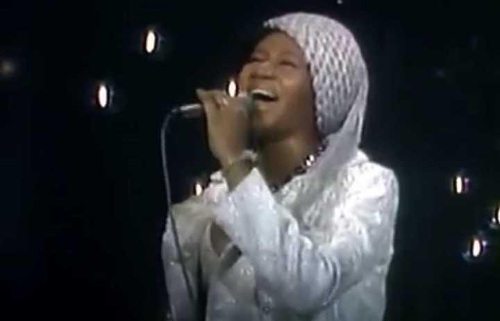 Aretha Franklin y su exquisita performance en vivo de I Say A Little Prayer, en 1970