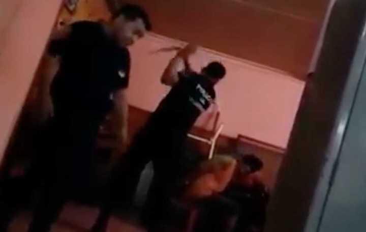 Cuatro policías desplazados en Misiones por golpear con un cinto a un detenido