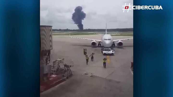 Un avión se estrelló a poco de despegar del Aeropuerto José Martí en La Habana