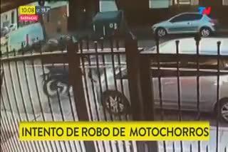 Cristina sale de su casa rumbo a Tribunales