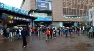Los hinchas argentinos llegan al estadio Arthur Ashe, en el corazón de Flushing Meadows. (Video: Juano Tesone)