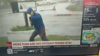Un periodista exageró los efectos del huracán Florence