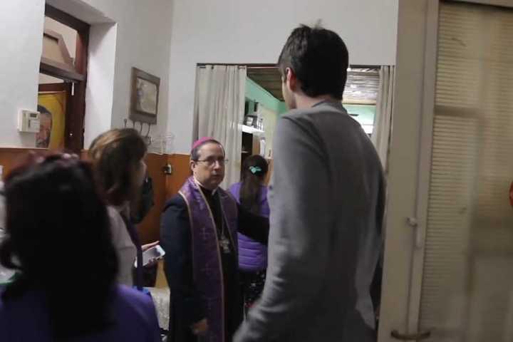 El tenso momento que vivió un periodista inglés con el Padre Manuel Acuña