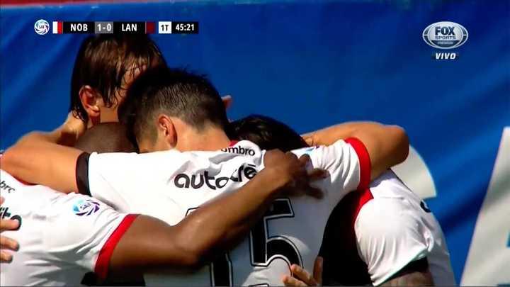 Victor Figueroa metió el primer gol de Newell's de penal