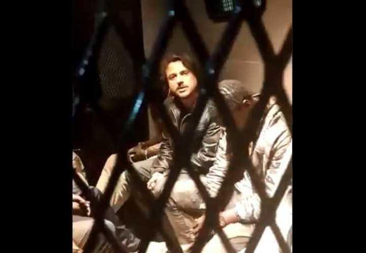 Juan Grabois, dentro del móvil policial