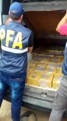 400 kilos de cocaína fueron secuestrados cerca de Sinsacate. El cargamento estaba oculto en una camioneta ploteada con la imagen de Telecom.