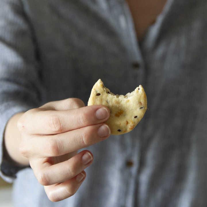 Receta de galletitas de lino y queso