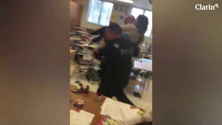 Dramático video de la evacuación de heridos en la escuela de Florida