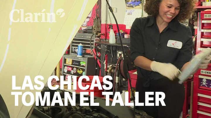 Las mujeres toman el taller: Mecánicas en una actividad dominada por hombres