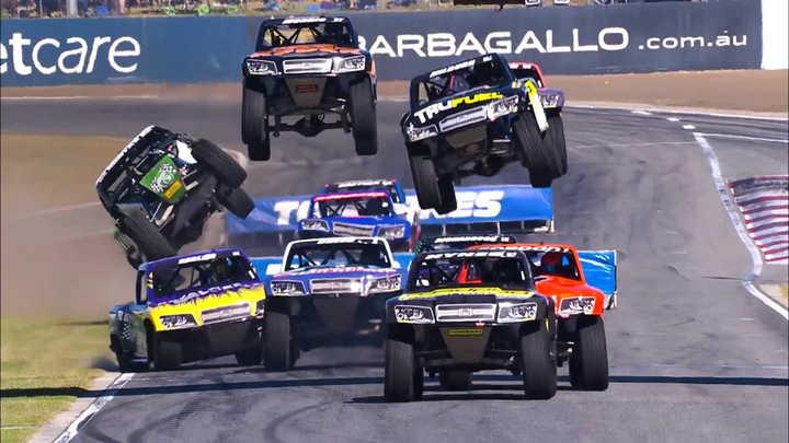 Speed Super Truck, la carrera en donde las camionetas vuelan y doblan en tres ruedas. (Highlights)