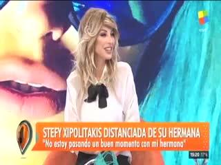 Stefy Xipolitakis, distanciada de su hermana Vicky.