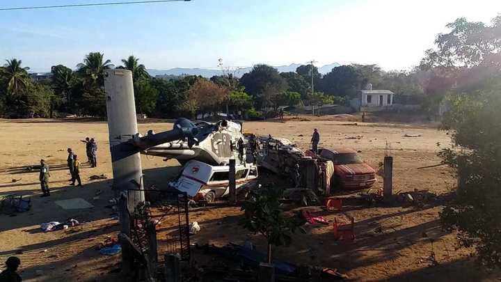 13 personas murieron al estrellarse un helicóptero militar en México