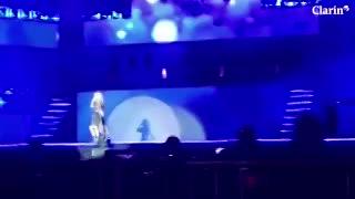 """La fuerte caída de Karol Sevilla, la estrella de """"Soy Luna"""" en un concierto en Bolivia."""