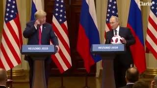 La pelota mundialista de Putin y otro gesto descortés de Donald Trump con Melania