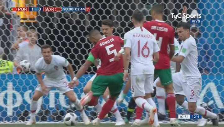 Benatia se perdió el empate en la última del partido - Mundial Rusia 2018