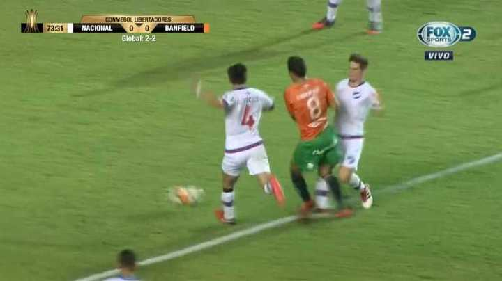 Penal no cobrado a Banfield