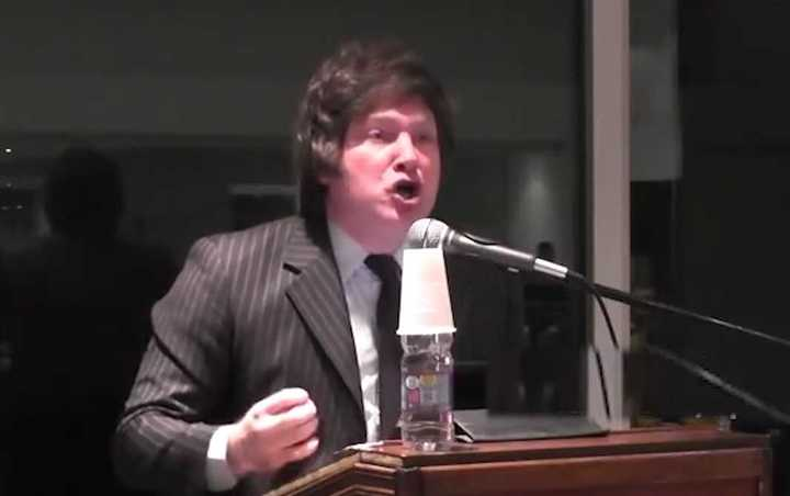 "El economista Javier Milei trató de ""burra"" a una periodista"