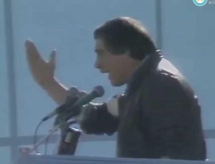 """Hartos de promesas"": paro de Ubaldini contra Alfonsín en 1986"