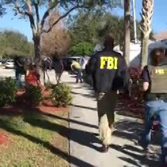 El FBI en la zona del tiroteo en Florida