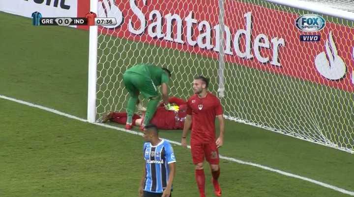 Amorebieta salvó a Independiente