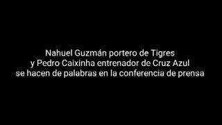 Nahuel Guzmán insulta al técnico rival durante una conferencia de prensa.