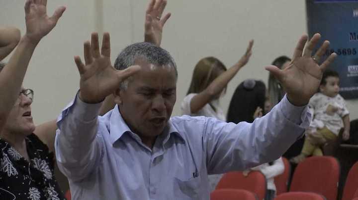 """""""Dios por encima de todos"""": evangélicos que apoyan a Bolsonaro"""
