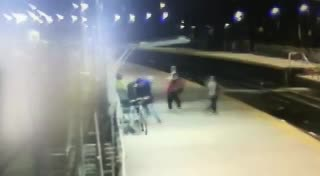 Así golpearon y mataron a un hombre en la estación Boulogne