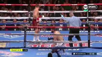 Canelo Álvarez derriba a Rocky Fielding en el primer round en Nueva York