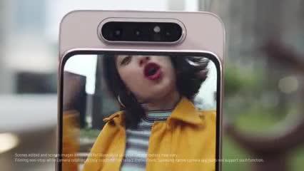 En el Galaxy A80, las tres cámaras traseras giran 180º al tomar selfies