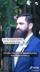 Video: El novio del año: mientras la novia se acerca al altar para casarse, él mira su teléfono celular