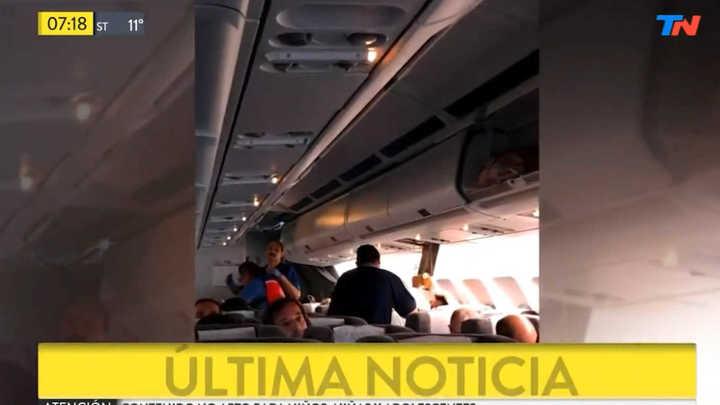 Video: ocho heridos por turbulencia en un vuelo de Aerolíneas