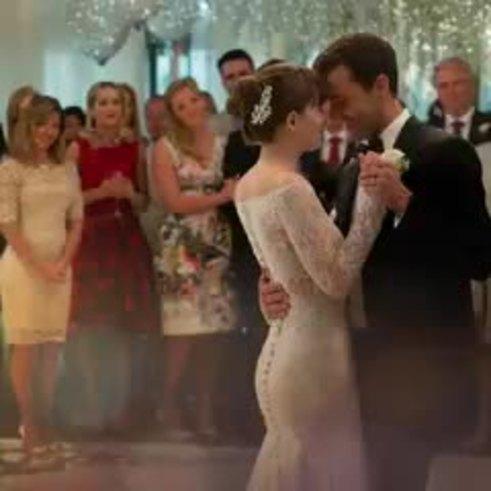 El vestido de novia de Anasasia Steele (Twitter)