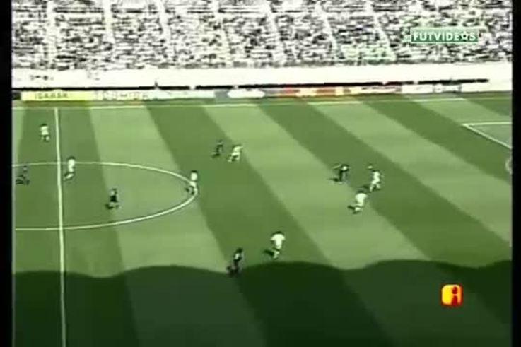 Con el gol de Batistuta, Argentina le ganó a Nigeria en 2002. (YouTube)