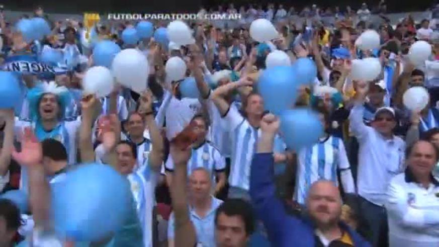 Con dos goles de Messi y uno de Rojo, Argentina le ganó 3-2 en Brasil. (YouTube)
