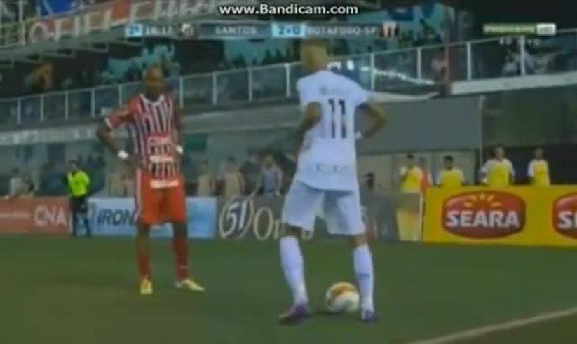 Mirá el nuevo chiche que tiró Neymar ante Botafogo.