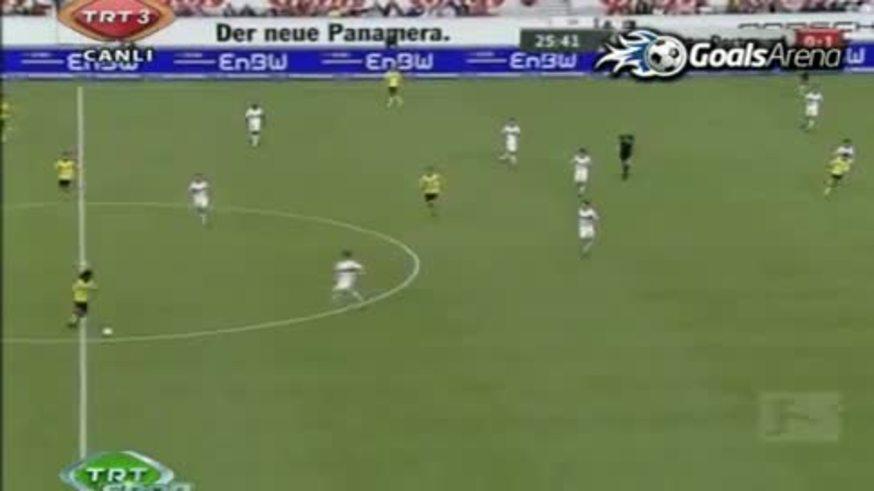 Lucas Barrios embocó a Stuttgart. Primer gol en la Bundesliga 10/11. (You Tube)