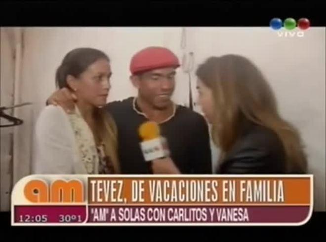 Carlitos Tevez disfruta de sus vacaciones en la costa (AM).