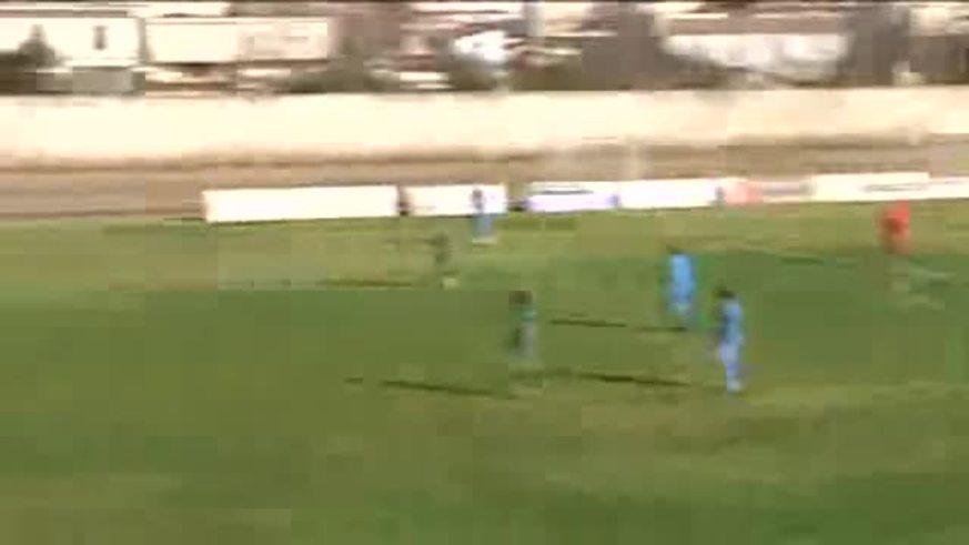 Un gol de arco a arco en el fútbol de ascenso griego.