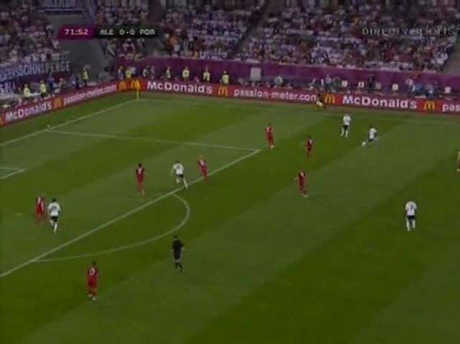 Mario Gómez marcó el 1 a 0 para Alemania (youtube).