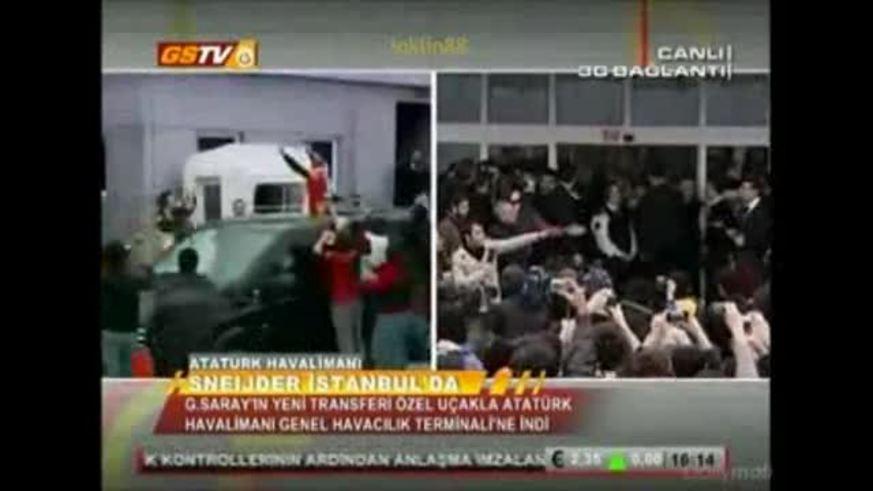 Locura en la llegada de Wesley Sneijder a Galatasaray.