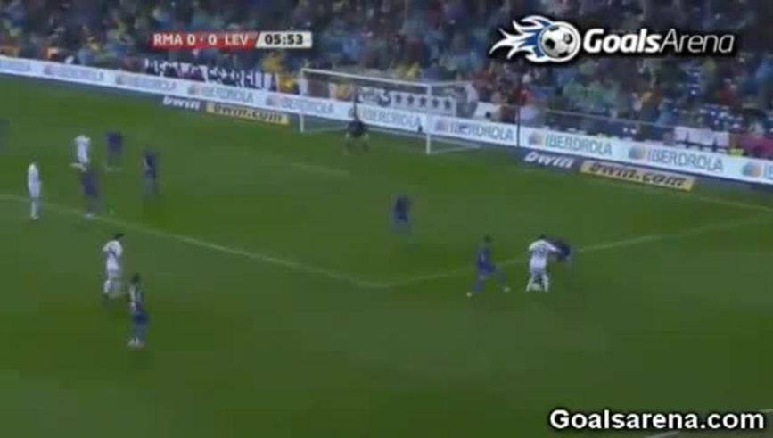 La gran jugada de Di María para asistir a Benzema. (Youtube.com)
