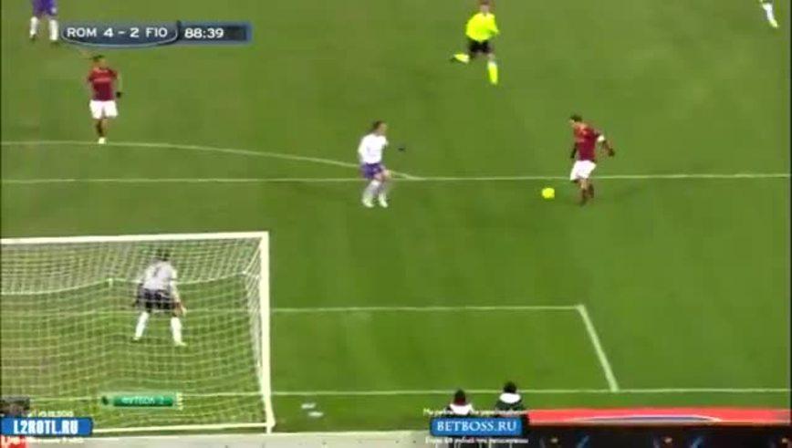 Osvaldo puso el cuarto para la Roma.
