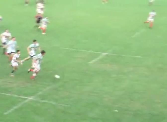 Brutal agresión de Dino Cáceres a Facundo Lucas, del Jockey de Rosario.