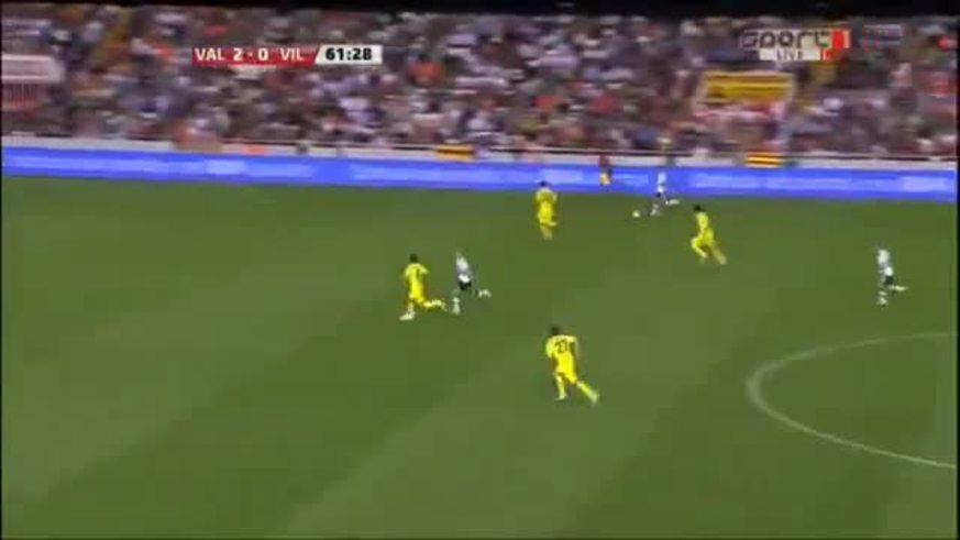 El gol de Ever Banega en la goleada de Valencia a Villarreal.