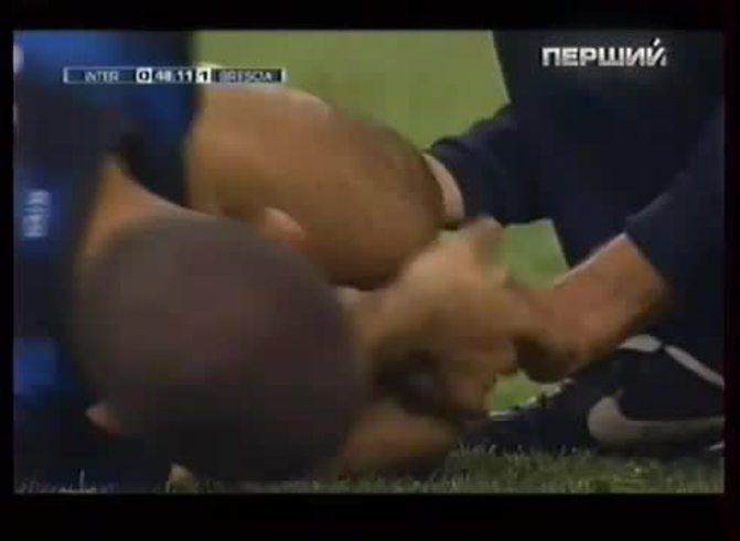 Mirá la grave lesión de Walter Samuel. (Youtube.com)