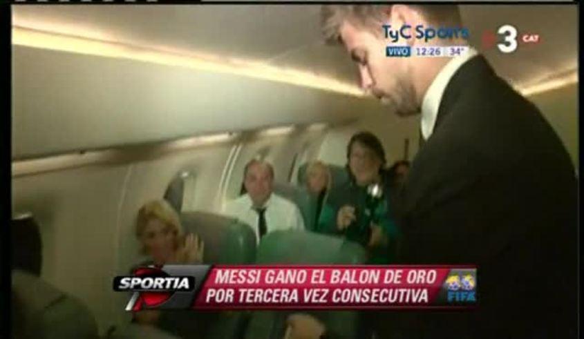 Mirá el festejo en el avión: Messi, su novia, Piqué, Pep, Shakira...
