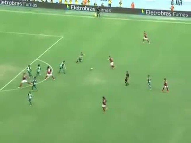 El golazo de tiro libre de Ronaldinho.