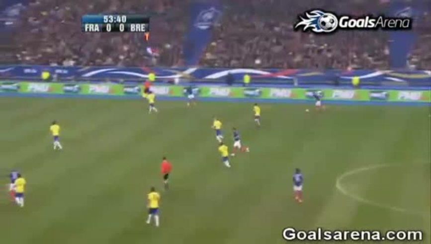 Mirá el gol de Benzema a Brasil.