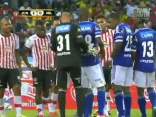 El gol del arquero de Millonarios, rival de Tigre.